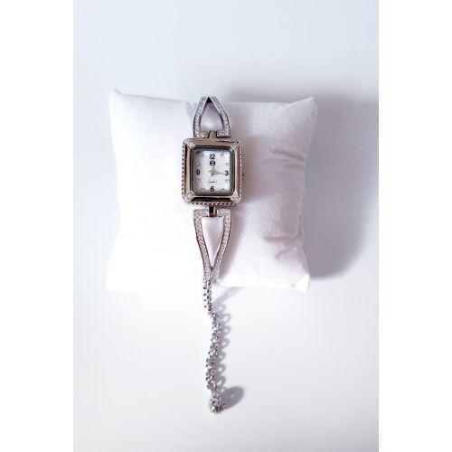 Ceas din argint cu cadran patrat si curea reglabila